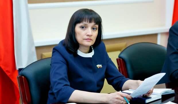 В Заксобе Оренбуржья приняли отставку депутата Оксаны Набатчиковой