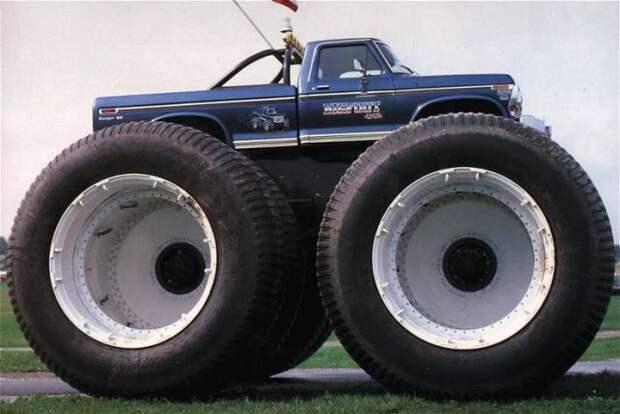 Большие колеса - большие проблемы. |Фото: fishki.net.