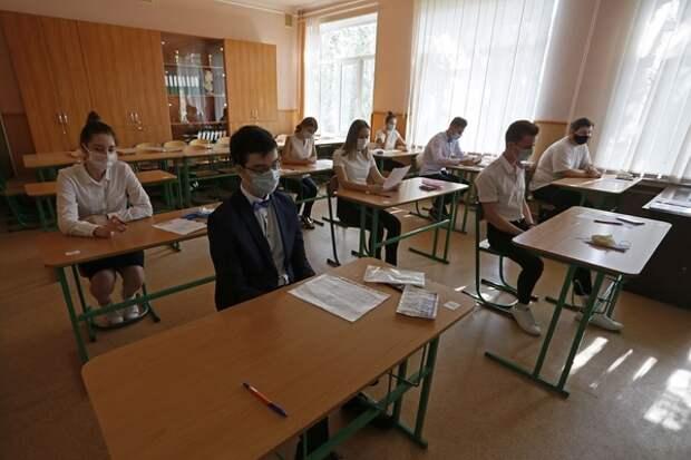 В Волгограде по жуткой инициативе педагогов школьник просидел в тумбочке весь урок