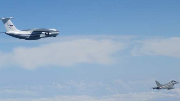 НАТО запускал истребители для перехвата самолетов РФ над Балтикой