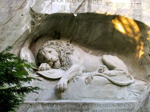 11 памятников, которые заглядывают прямо в душу