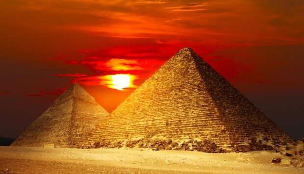 пирамида, апокалипсис, теории заговоров