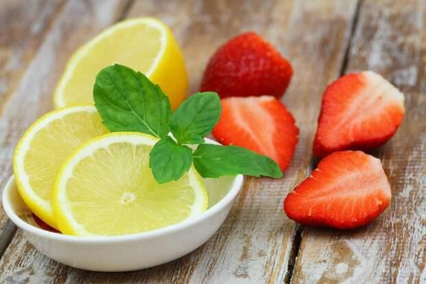 В лимоне сахара лишь в половину меньше, чем в клубнике. Фото: из открытых Интернет-источников
