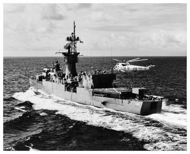 За четыре года до инцидента с повреждением бульба «Стейн» благополучно патрулирует побережье Гавайев / ©U.S. Navy National Archives