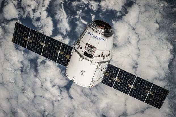 Ремонт школы в Ижевске, модернизация центров занятости, рост киберпреступности и запуск SpaceX c гражданским экипажем: что произошло минувшей ночью