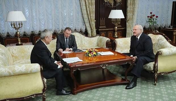 Лукашенко предсказал пик эпидемии коронавируса в Белоруссии