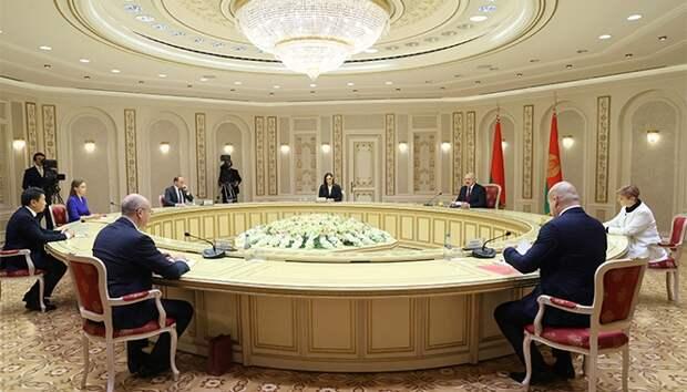 Лукашенко отказался связать своих сыновей и президентство