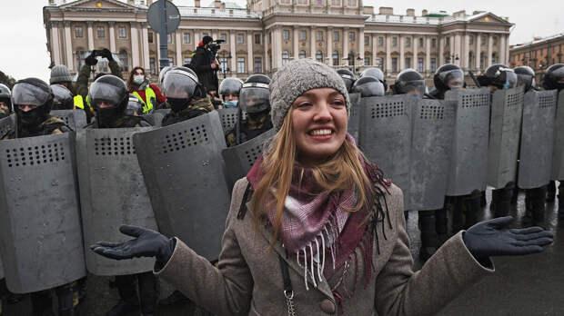 Почему эти неправильные русские не протестуют против ущемления свободы и демократии: альтернативная реальность западных СМИ