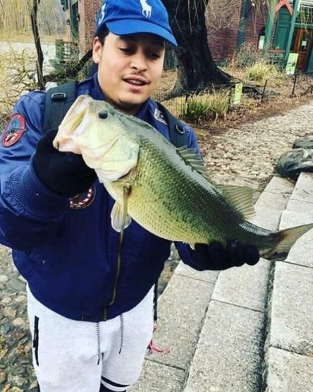 Рыбак выловил в Центральном парке труп на глазах у игравших поблизости детей