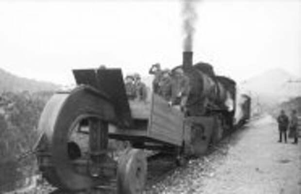 Автомобили: Зачем во Вторую мировую войну немцы крепили к поездам огромные крюки