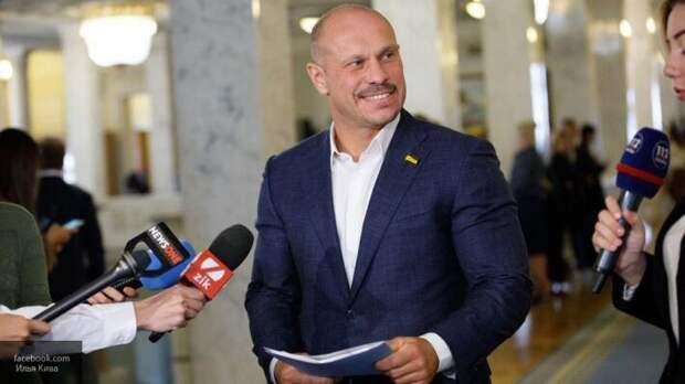 Депутат Рады заявил о намеренной сдаче Украиной территорий Донбасса и Крыма