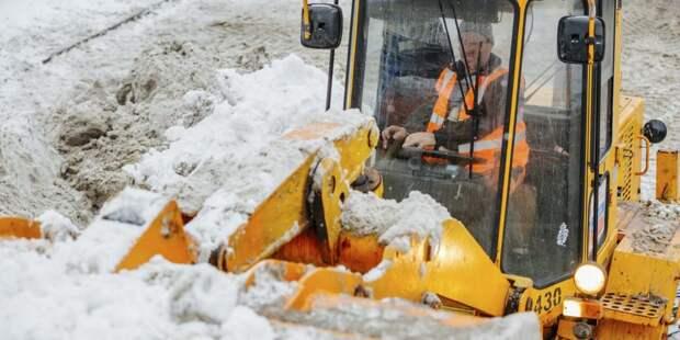 С улиц Бабушкинского за сутки вывезли 800 кубометров снега
