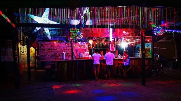 В России могут запретить посещение баров и клубов лицам младше 21 года