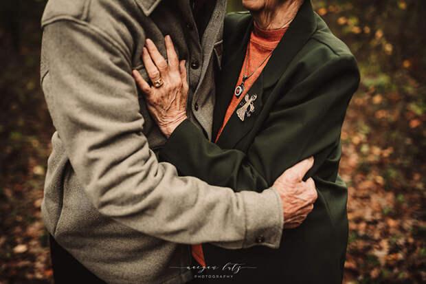 Даже в 80+ лет они относятся друг к другу, как будто в первые месяцы влюбленности. Фото: Maegan Lutz.
