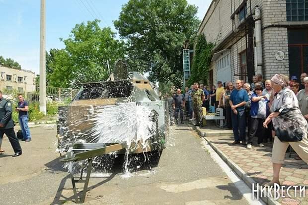 Украинским пограничникам передали передвижной блокпост «Миколаевець»