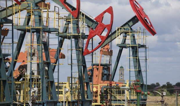Эксперт связал растущие цены на нефть с массовой вакцинацией
