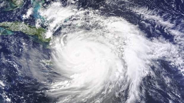 Порядка пяти человек пострадали в результате обрушившегося на Японию тайфуна