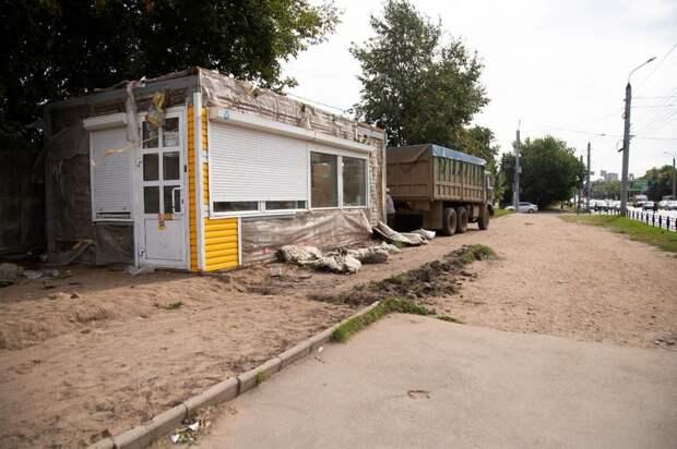 Незаконно торговавший алкоголем киоск снесли в Ижевске