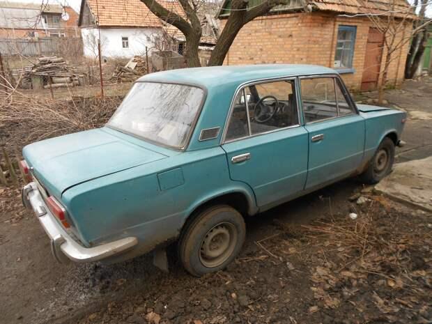 Подростки в Сарапуле два квартала толкали угнанный автомобиль