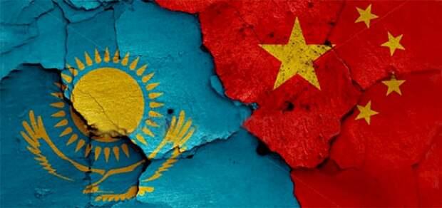 Айнур Курманов: Китай действует в Казахстане как колонизатор, грабитель и поработитель