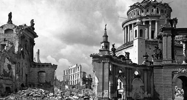 Бессмысленные и беспощадные: бомбардировки немецких городов весной 1945 года