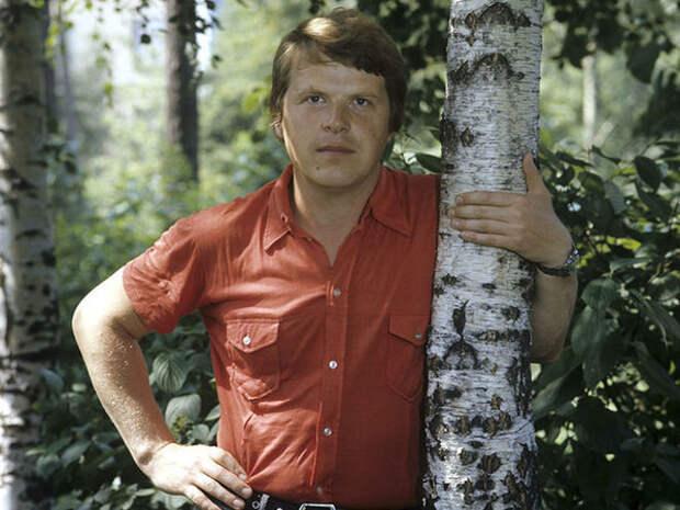 Михаил Кокшенов в молодости // Фото tvc.ru