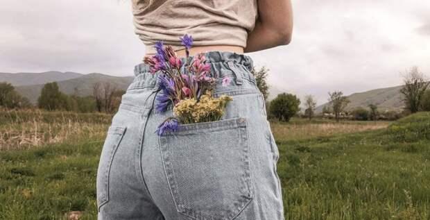 В Сети разгорелся спор о размере карманов на мужских и женских джинсах