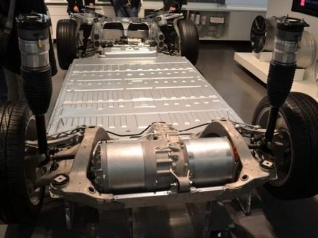 Panasonic поставит Tesla оборудование для выпуска литий-ионных батарей