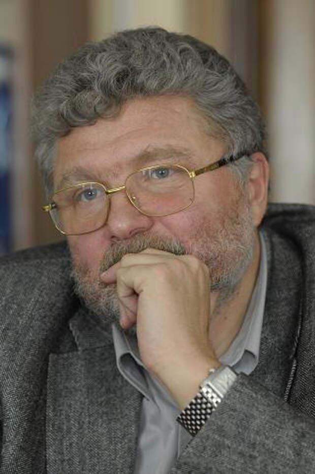Он призывал американцев начать против СССР войну. Точка зрения Юрия Полякова на празднование юбилея Солженицына