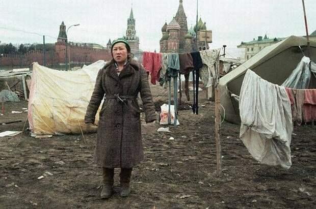 Палаточный городок возле Кремля, 1990-й год.