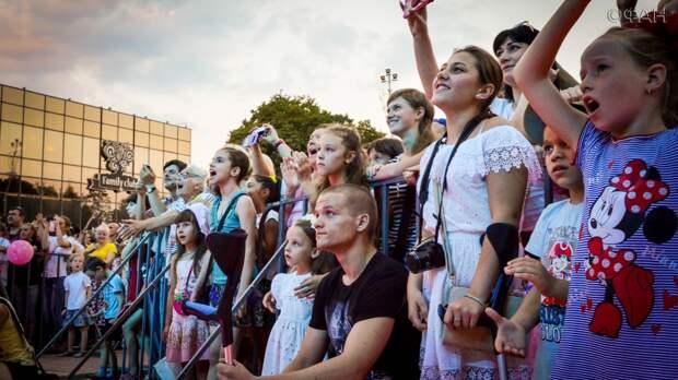 Укры в бешенстве: В Донецке с концертом выступил народный артист России Олег Газманов (видео)