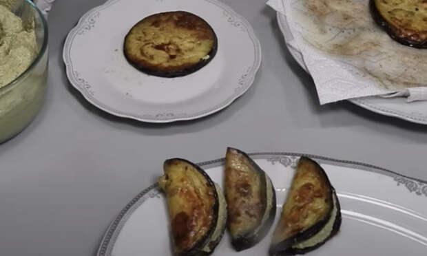 Баклажанные дольки с начинкой: закуска на один укус
