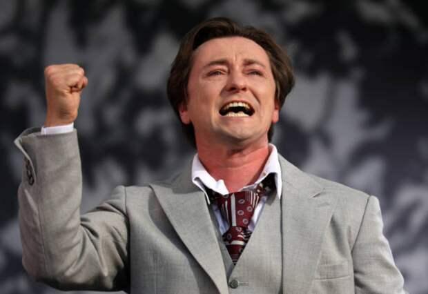 Сергей Безруков стал отцом в пятый раз: кто родился в семье актера