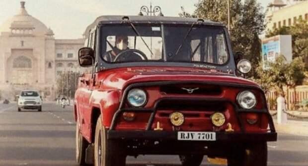Праворульную версию УАЗ-469 сфотографировали в Индии