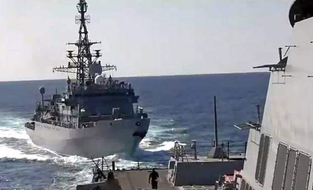 Business Insider: Агрессивные действия РФ в Черном море могут закончиться «советскими таранами»