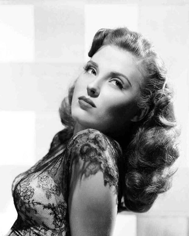 Красотка из 40-ых Беверли Тайлер