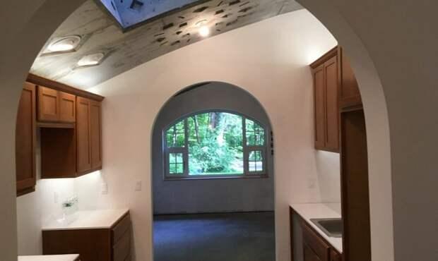Кухня получилась очень просторной.