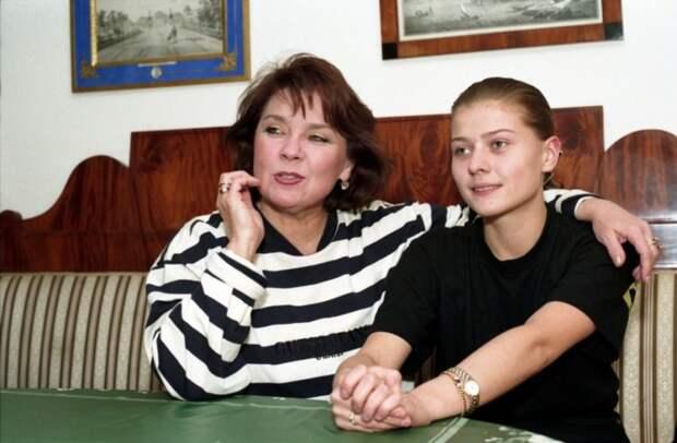 Сестра или враг — история соперничества дочерей Андрея Миронова