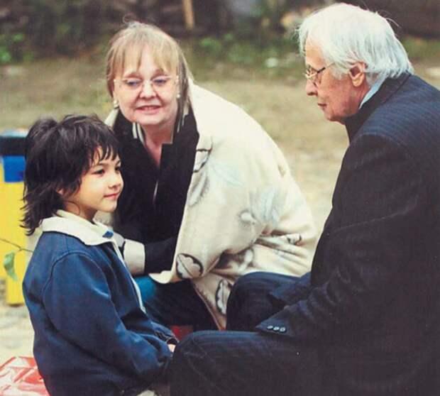 Режиссер Владимир Наумов, в 80 лет усыновил мальчика из детского дома. Как сложилась его судьба