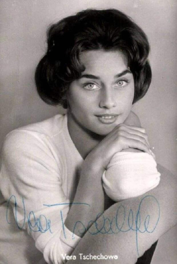 Поразительная красота: 15 фотографий внучки Чехова