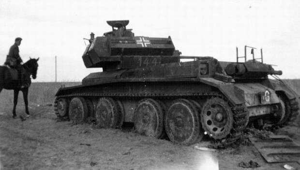трофейные британские крейсерские танки A-13 Mk II уничтоженные советскими войсками в 1941 под Брестом