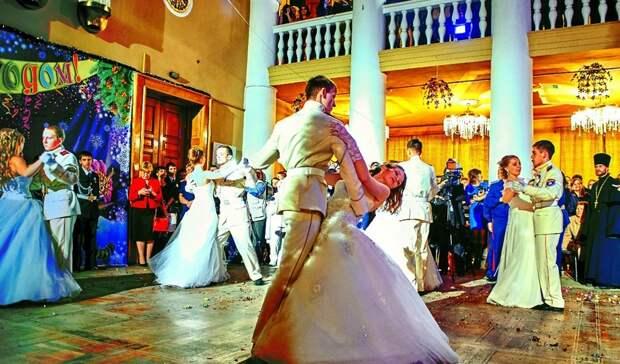 Как научиться танцевать, если ты«бревно»: опользе исложности танцев