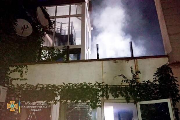В Кривом Роге горел дом престарелых. Появилось видео