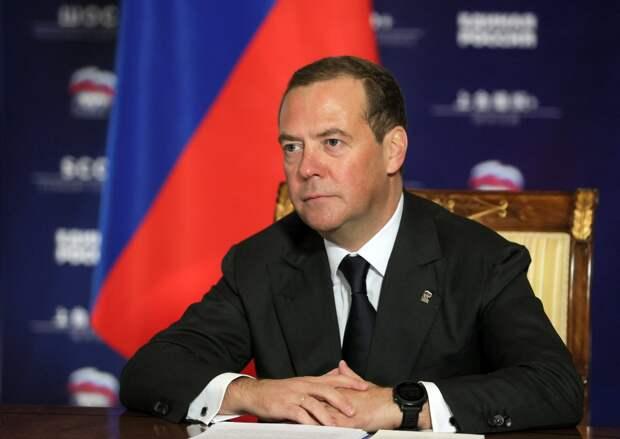 Отсрочки по налогам и пособия: обзор инициатив Медведева