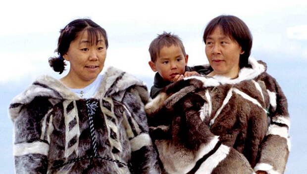 Интересные факты. Матери-эскимоски отсасывают сопли у своих простуженных детей просто губами