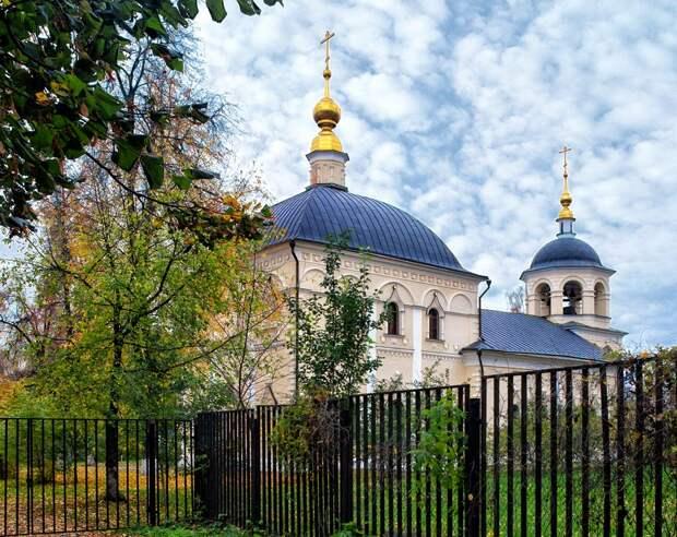 Крестовоздвиженская церковь женского двора. Экскурсия по Преображенской