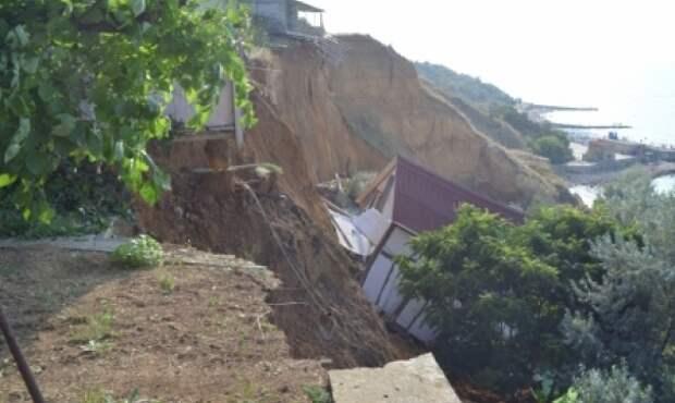 В Севастополе вернутся к практике искусственного обрушения обвалоопасных участков береговой зоны