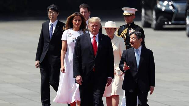 Подробности визита Трампа в Японию: борцы сумо, гейши и гольф