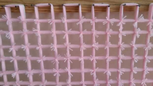Мастерица создала симпатичное одеяло без шитья и вязания. Результат выше всяческих похвал