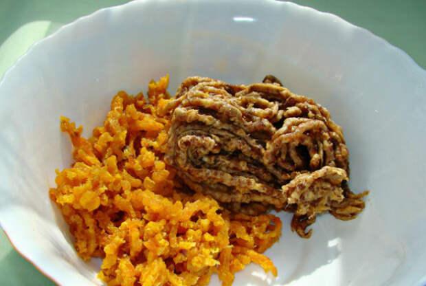 Полезная, сладкая, а главное простая в исполнении колбаска из сухофруктов — очень вкусный десерт!